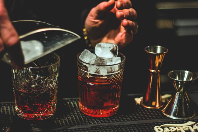 best bars in vancouver