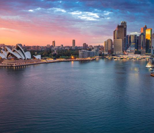 reasons to visit australia